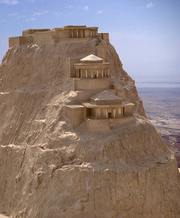 Model of the northern palace of Masada (Berthold Werner / Public Domain)