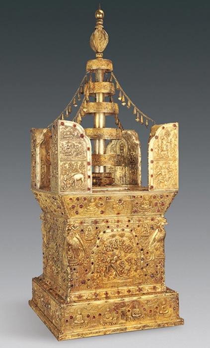 Model of the stupa.