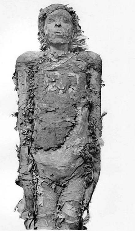 Mummy of Pinudjem II, High Priest of Amun in Thebes.