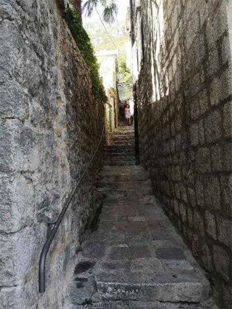 Narrow medieval streets. (Aleksa Vučković)