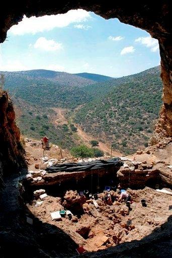 Natufian sitio de excavación arqueológica en Hilazon Tachtit