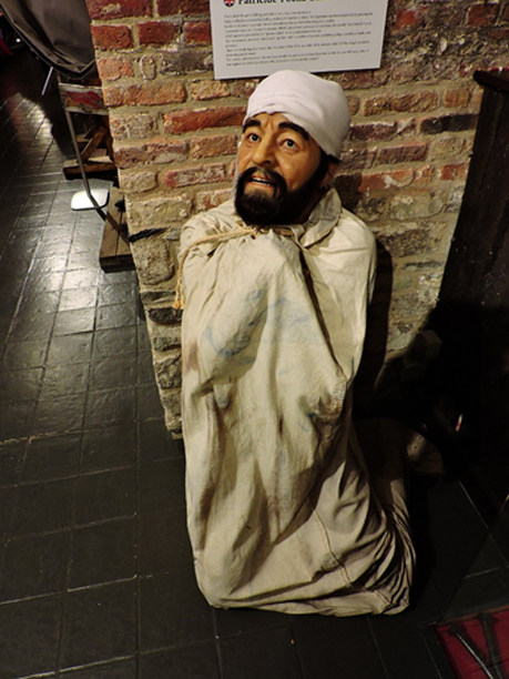 Patricide punishment - Poena cullei, Torture Museum (Foltermuseum De Oude Steen), Bruges.