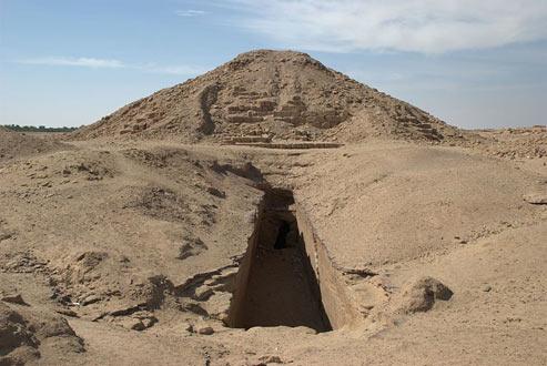 Pharaoh Pankhi's pyramid at El-Kurru