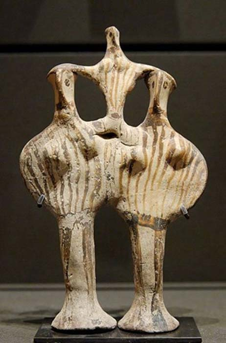 """Example of """"Phi"""" figurines (because they look like the Greek letter Φ) from Mycenae. (13th century BC)."""