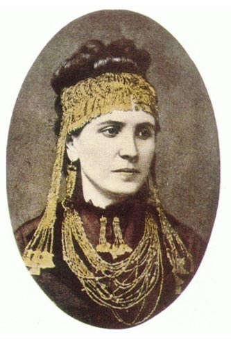 ortrait of Sophia Schliemann wearing some of the Priam Treasures