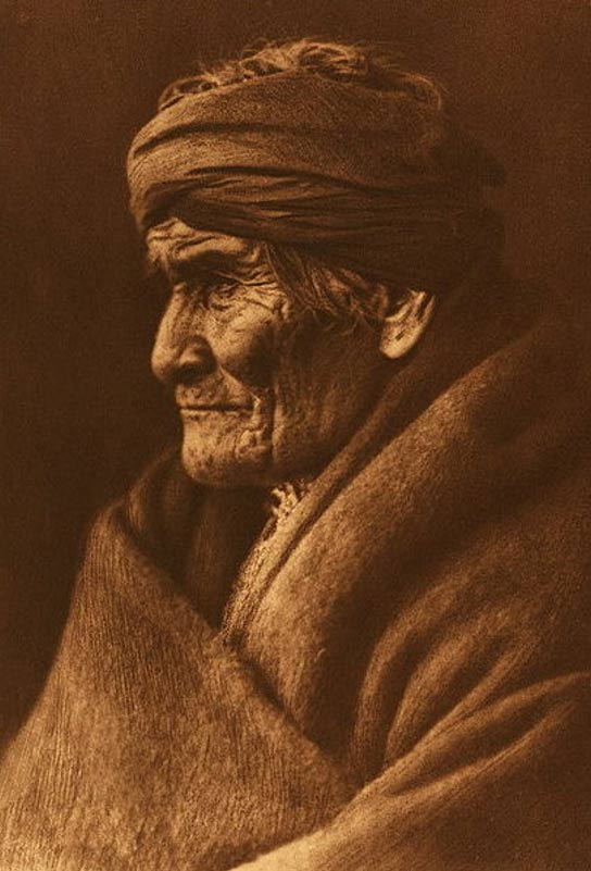 Portrait of Geronimo in 1905