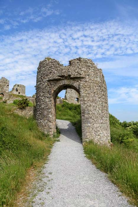 Remains of a gateway at Dunamase. Credit: Ioannis Syrigos