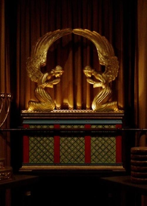 Replica of the Ark of the Covenant in George Washington Masonic National Memorial (CC BY-SA 2.5)