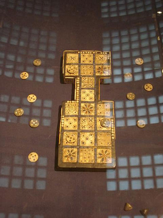 Royal Game of Ur displayed at the British Museum circa 2600 BC, the oldest set of board gaming equipment ever found. (Jez Nicholson / CC BY-SA 2.0)
