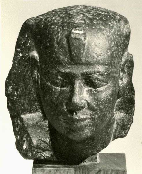 Royal head from a small statue, black stone, Reign of Pepi II, Metropolitan Museum of Art, New York, USA. (CC0)