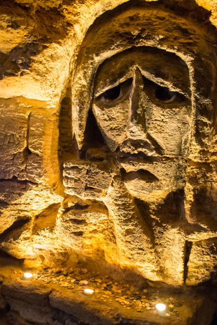 Sad mother monument, made in stone in the Odessa catacombs. (gorinov /Adobe Stock)