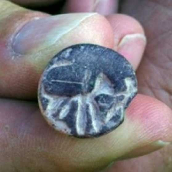 "The ""Samson seal"" found at Beth Shemesh. Image: Raz Lederman, courtesy of Tel Beth Shemesh Excavations"
