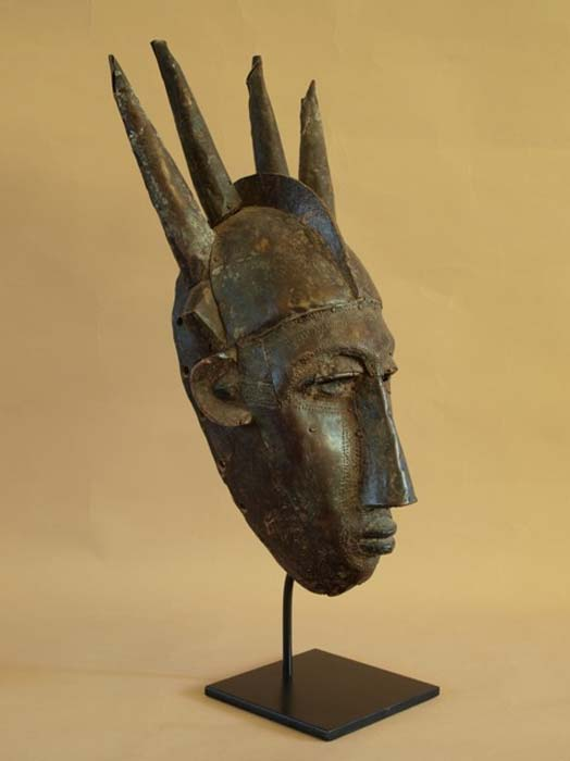 Sculpture of the Manding, a family of ethnic groups in West Africa.