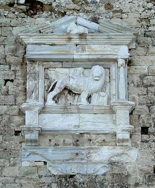 Sculpture of a Venetian lion on the Fortress of Koules, Heraklion, Crete, Greece. (Bernard Gagnon / CC BY-SA 3.0)