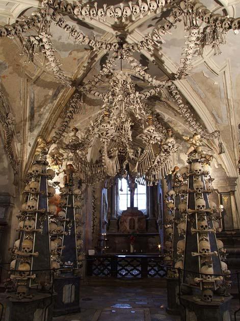 The Sedlec chapel Interior (Pudelek/GFDL)