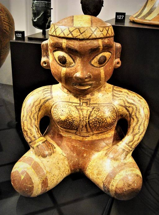 """""""Shaman"""" - ceramic (about 1000 AD) - from Peru, Chavìn-Cupisnique culture - """"The World that wasn't there / Pre-Columbian art in the Ligabue Collections"""" - Temporary Exhibition, up October 30, 2017 - Naples, Archaeological Museum"""