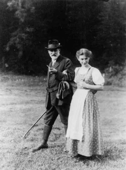 Sigmund and his daughter Anna Freud. United States Library of Congress's Prints and Photographs division (Public Domain)