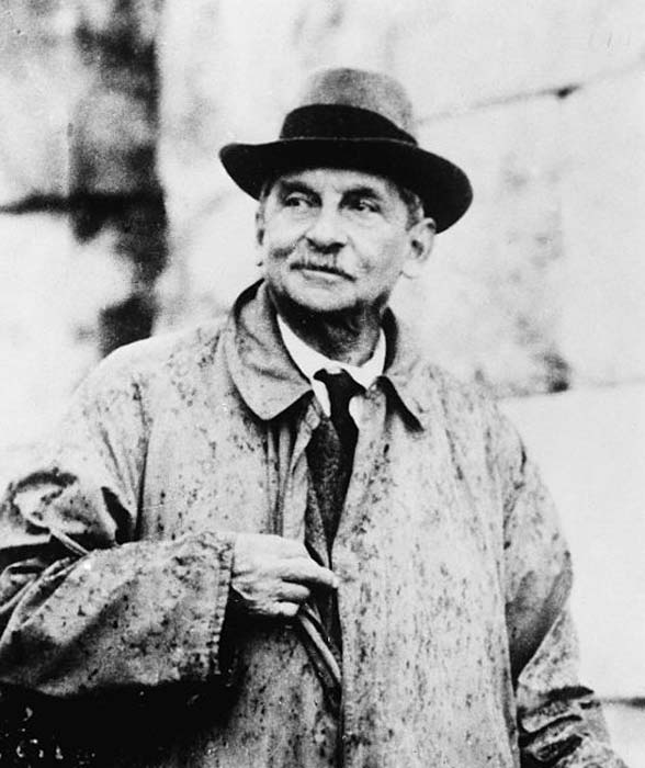 Sir Arthur John Evans, archaeologist