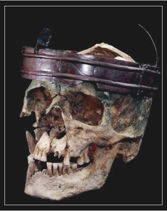 Skull of the Deal Warrior with its crown. (Journal of Celtic Studies in Europe and Asia Minor)
