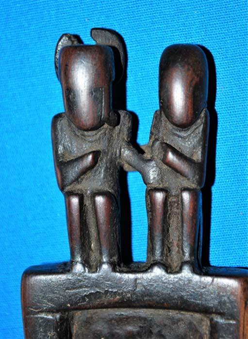 Smaller carved snuffing tablet. (José Capriles et al, Penn State)