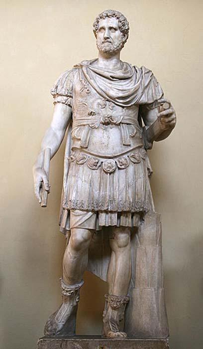 Statue of Antonius Pius in armor. (Jean-Pol GRANDMONT/ Public Domain)