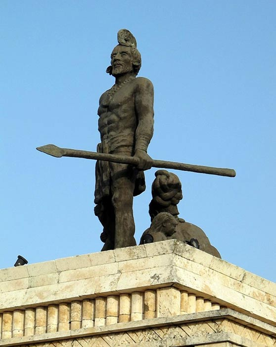 Statue of Gonzalo Guerrero.