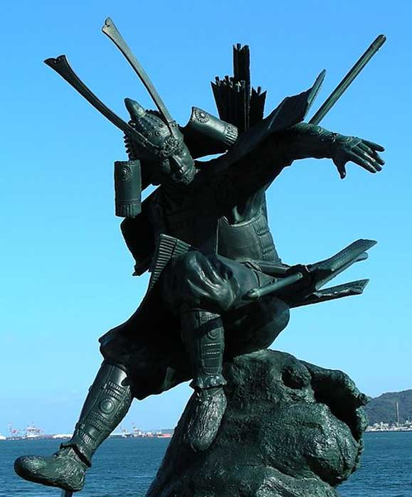 Statue of Yoshitsune in Mimosusogawa Park, Shimonoseki, near the site of the Battle of Dannoura.
