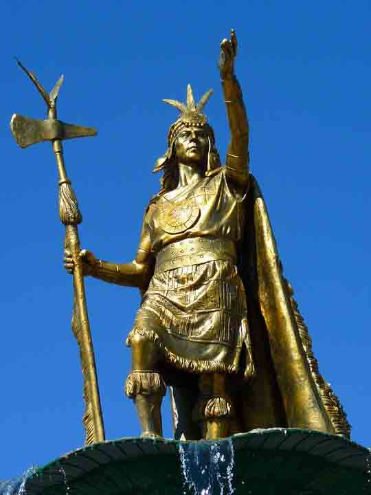 The Statue of Pachacuti can be found on the Plaza de Armas in Cusco. (Pixabay)