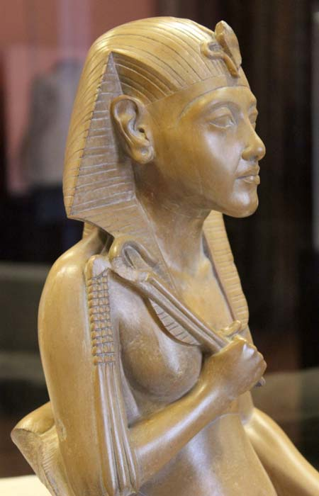 Statue of Akhenaton in the Louvre. (FAPAB Research Center)