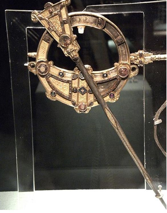 Tara Brooch, front view. National Museum of Ireland.