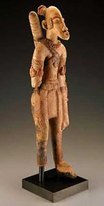 Terracotta archer figure from the Mali Empire - 13th-15th century, with a quiver on his back. The bow and quiver of arrows were the symbols of power in Imperial Mali. (Saithilace / Public Domain)
