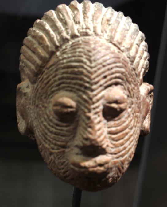 Terracotta head, Sao civilization, Cameroon.