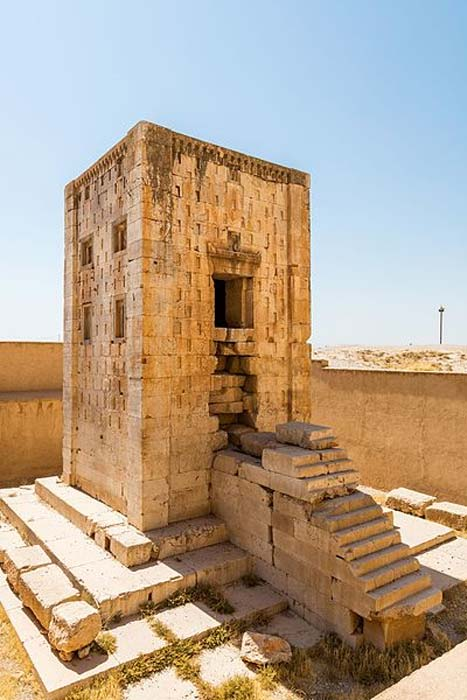 The Cube of Zoroaster in Naghsh-e rostam, Iran. (Diego Delso/CC BY SA)