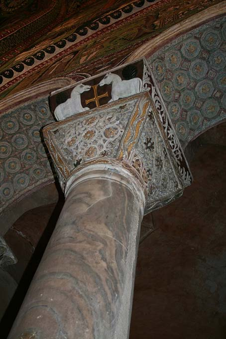 The capitals of the columns of the Basilica San Vitale are not Doric, nor Ionic, nor Corinthian, but rather of a type entirely new and unique. (Sharon Mollerus/CC BY 2.0)