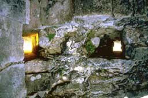 Las mirillas estaban situadas exactamente donde estaba posicionado el sol para las observaciones del equinoccio y el solsticio. (Vía autor)