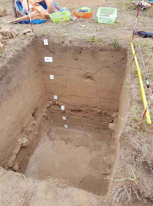 """""""There is no evidence in the stratigraphy [rock layers] in the archaeology above this level"""" – archaeologist Bob Sheppard. (Vietnam Maritime Archaeology Project)"""