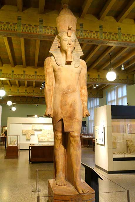 This gigantic quartzite statue has caused much confusion over the years as to the identity of the king it depicts; with most people assuming it portrays the likeness of Tutankhamun