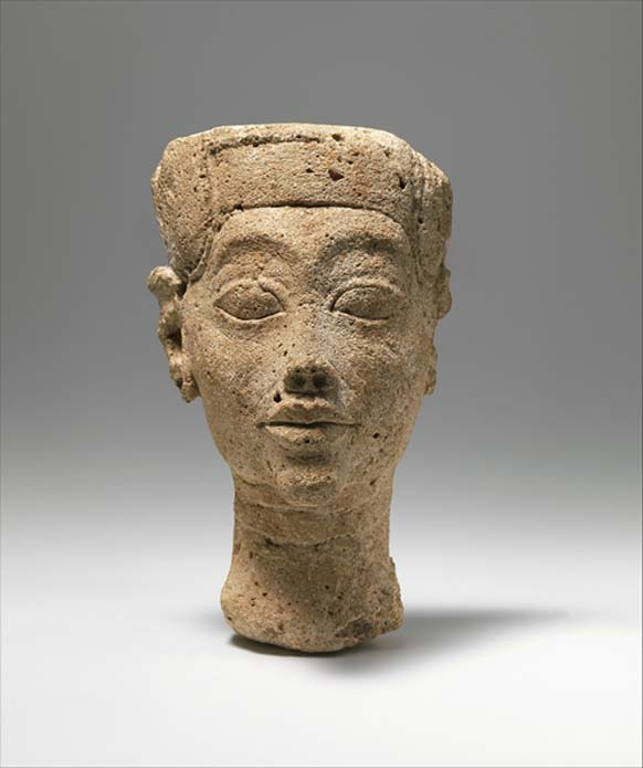 This gypsum plaster head of an unidentified Amarna king was found in the sculptors' workshops in the city during the Petrie/Carter excavations, 1891–92.