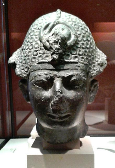 Thutmosis IV wearing the khepresh, Musee du Louvre.