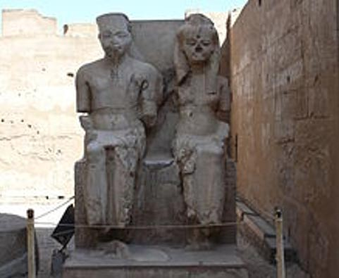 Statue of Tutankhamen and Ankhesenamun, Luxor, Egypt.