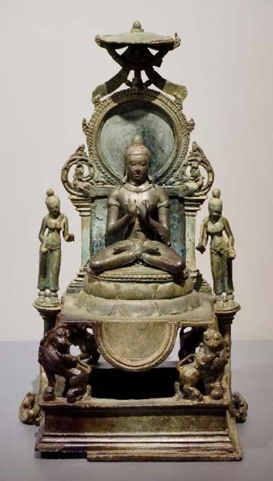 Vairocana Buddha, 9c, Srivijaya, National Museum, Bangkok, Thailand, National Museum, Bangkok, Thailand. (Anandajoti Bhikkhu/CC BY 2.0)