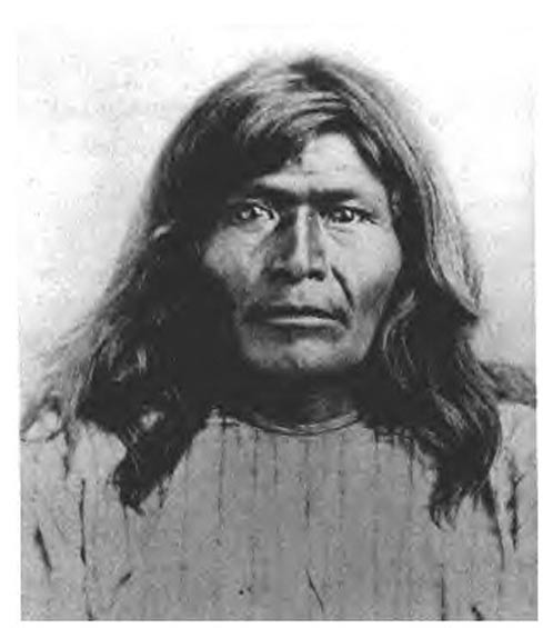 Chiricahua Apache chief Victorio, circa 1875.