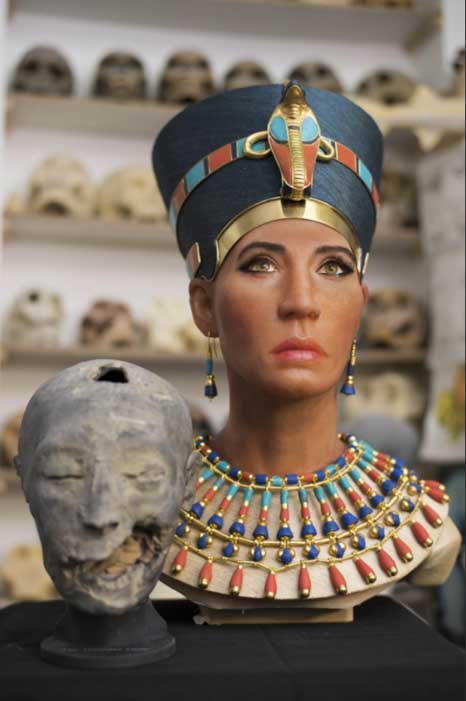 The facial reconstruction of the Younger Lady mummy from KV35 next to a 3D replica of its head created from digital mapping. (Photo: Travel Channel's 'Expedition Unknown')