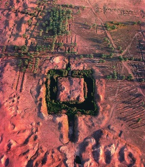 Aerial view which shows the remains of the Ziggurat Etemenanki