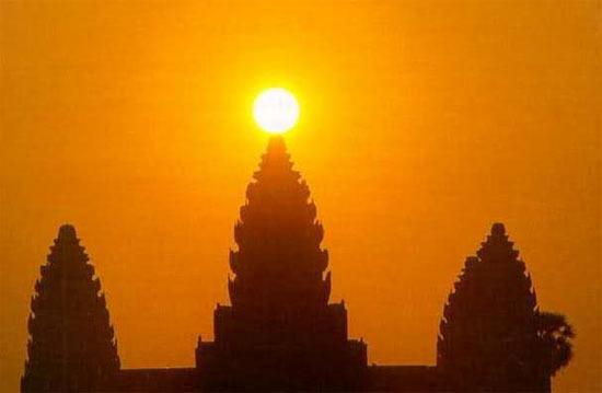 Angkor Wat - Equinox
