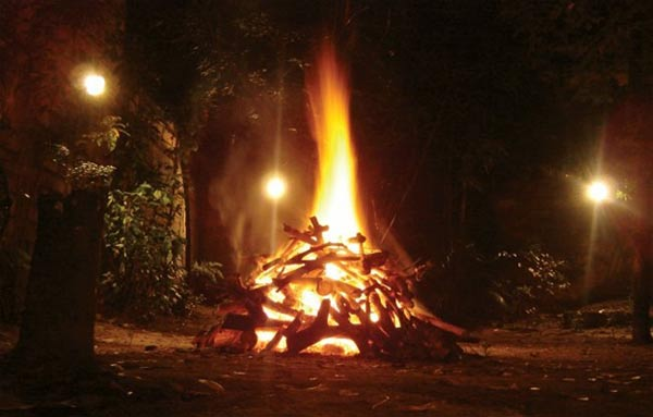 A bonfire, ancient tradition at Samhain