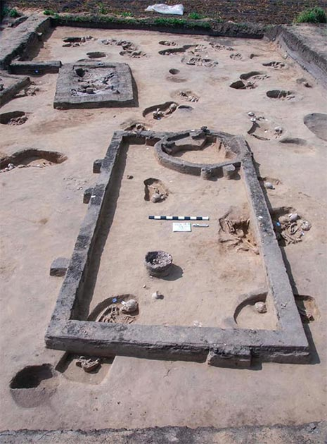 Part of the burial ground found in Koam Al-Khiljan. (Ministry of Antiquities)