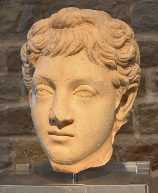 Commodus the outrageous emperor who fought as a gladiator a bust of commodus as a youth 180 192 ad fandeluxe Choice Image