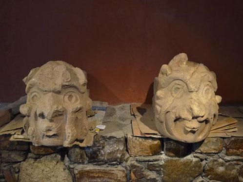A couple of the Cabeza Clavos