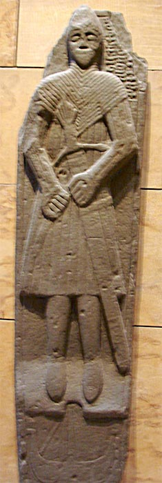 A carving of a Norse-Gael (Gallowglass) warrior. (Public domain)